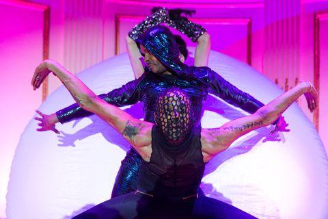 Purple, Magenta, Pink, Violet, Performance art, Headpiece, Dance, Costume, Abdomen, Dancer,