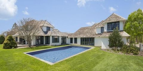 Grass, Property, Cloud, House, Real estate, Residential area, Land lot, Building, Home, Garden,