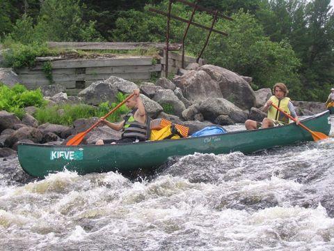 Recreation, Water, Boating, Outdoor recreation, Boat, Watercourse, Lifejacket, River, Watercraft, Water sport,