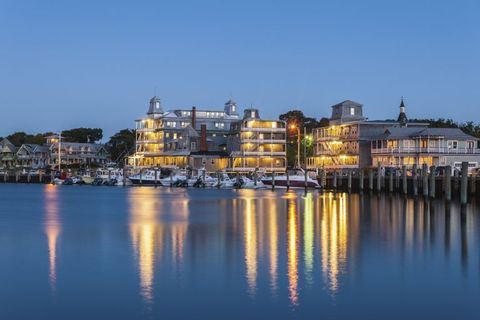 Blue, Reflection, Water resources, Town, Waterway, Night, City, Facade, Landmark, Real estate,