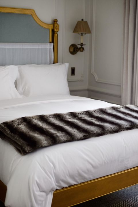 The Trick Hotels Use to Get Perfectly Crisp Sheets