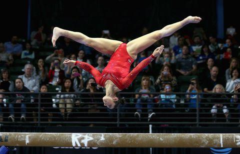 People, Human leg, Entertainment, Acrobatics, Audience, Muscle, Performance, Knee, Crowd, World,