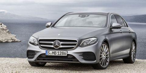 Mode of transport, Automotive design, Vehicle, Grille, Car, Personal luxury car, Mercedes-benz, Rim, Luxury vehicle, Vehicle registration plate,