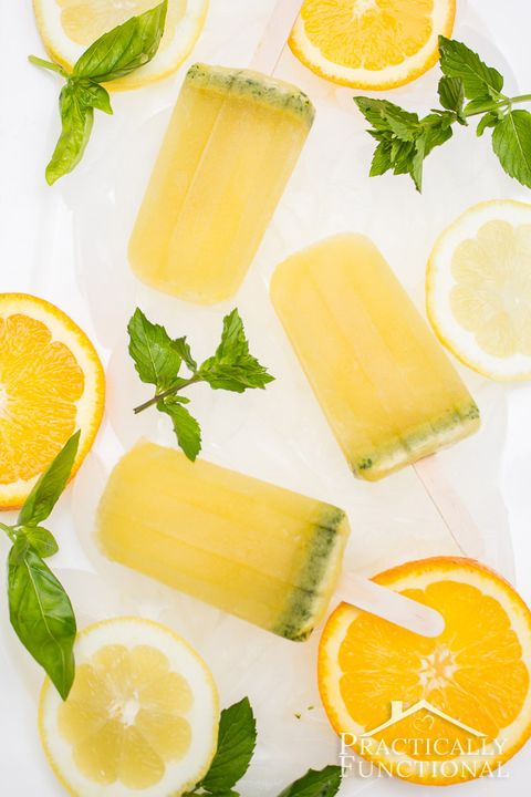 Boozy popsicle cocktails made with alcohol