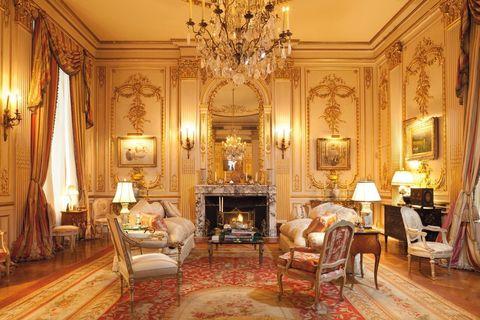 Lighting, Interior design, Room, Floor, Property, Flooring, Light fixture, Furniture, Ceiling, Living room,