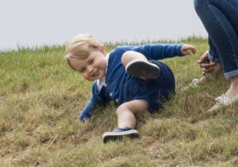 Human, Leg, Grass, Jeans, Denim, People in nature, Barefoot, Foot, Toe, Knee,