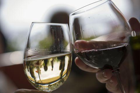 Glass, Fluid, Stemware, Drinkware, Drink, Alcoholic beverage, Alcohol, Wine glass, Barware, Tableware,
