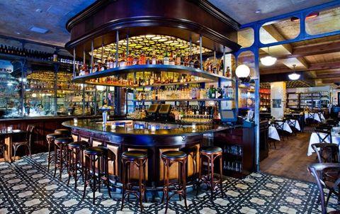 Lighting, Furniture, Glass, Interior design, Barware, Tavern, Drinking establishment, Light fixture, Restaurant, Pub,