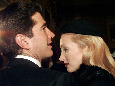 Carolyn Bessette Kennedy Wedding & Style - Photos of Carolyn ...