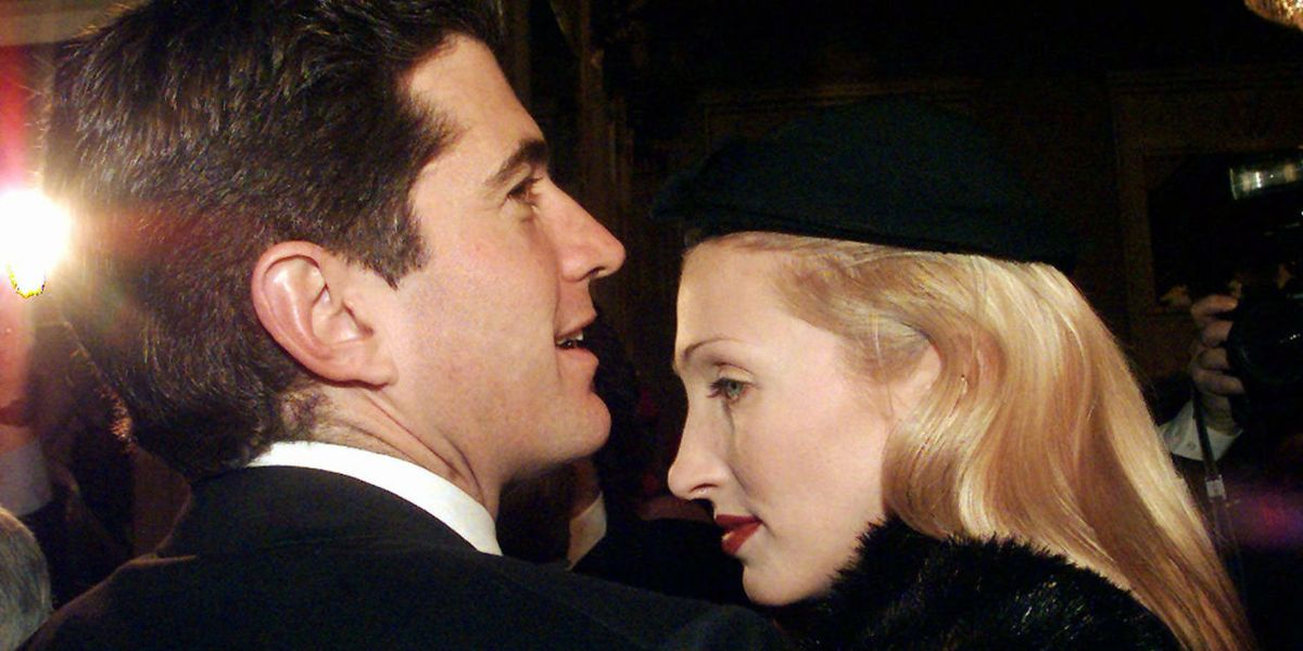 Who Was Carolyn Bessette Kennedy The Story Of John Kennedy Jr S