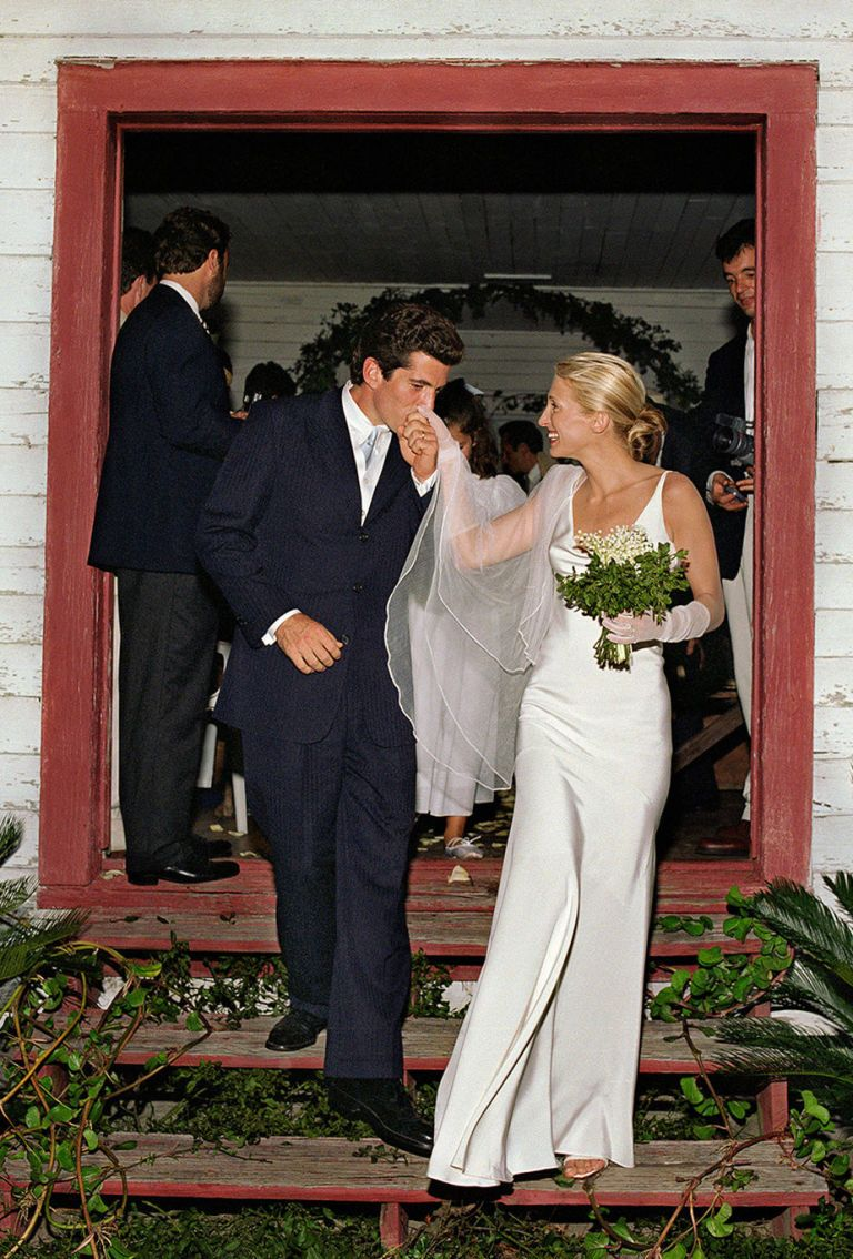 Carolyn Bessette Wedding Dress