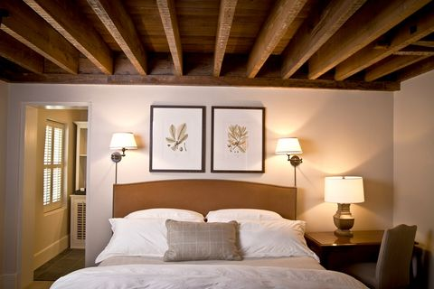 Bed, Wood, Lighting, Room, Interior design, Bedding, Bedroom, Property, Wall, Textile,