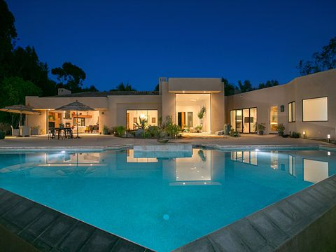 Swimming pool, Lighting, Property, Real estate, Resort, Facade, Home, Villa, Residential area, House,