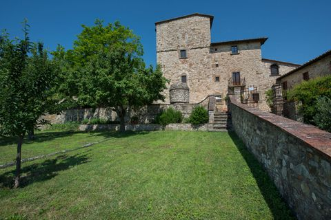 Property, Building, Wall, Grass, Castle, Fortification, Architecture, Tree, House, Estate,