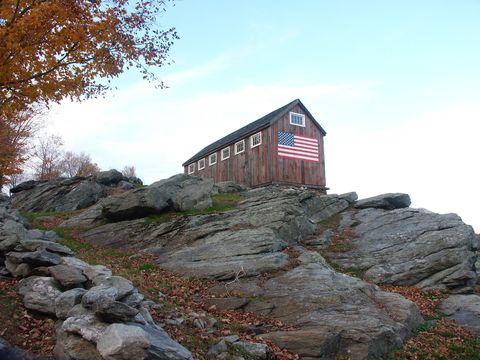 Rock, Landscape, Bedrock, Rural area, Slope, House, Outcrop, Log cabin, Rubble, Fell,
