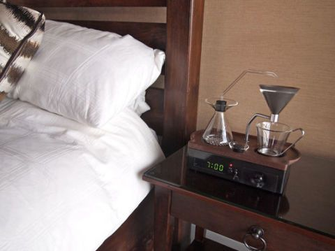 Pillow, Throw pillow, Linens, Bedding, Hardwood, Cushion, Barware, Bed sheet, Wood stain, Bedroom,