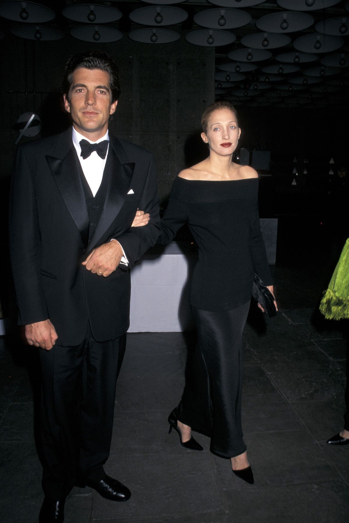 How to Copy Carolyn Bessette Kennedy\'s Iconic Style