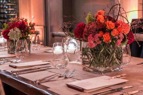 Tablecloth, Bouquet, Glass, Flower, Centrepiece, Dishware, Table, Room, Serveware, Petal,