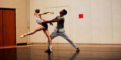 Performing arts, Human leg, Entertainment, Flooring, Floor, Dancer, Artist, Athletic dance move, Choreography, Knee,
