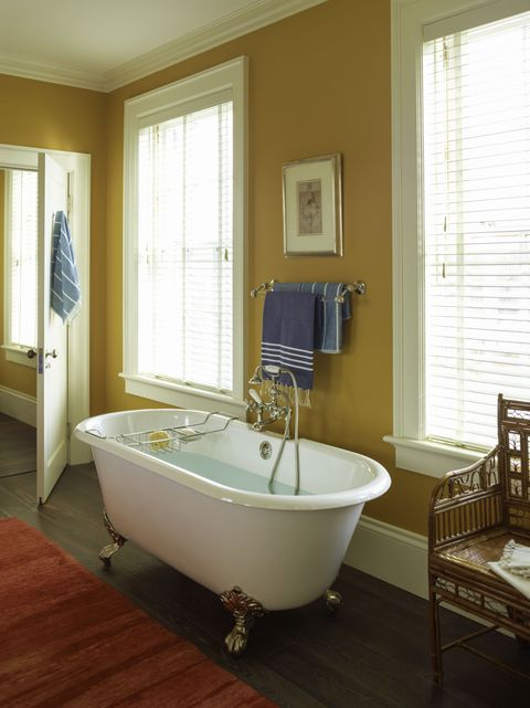 Room, Plumbing fixture, Interior design, Floor, Bathtub, Flooring, Architecture, Wood, Property, Tap,