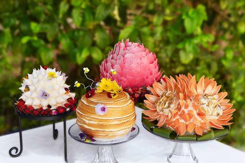 Serveware, Sweetness, Flower, Food, Dessert, Ingredient, Baked goods, Cuisine, Cake, Dish,