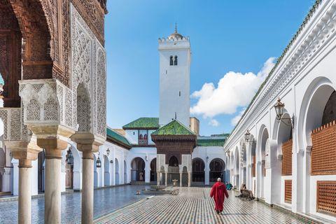 Architecture, Arch, Landmark, Arcade, Place of worship, Mosque, Historic site, Column, Tower, Byzantine architecture,