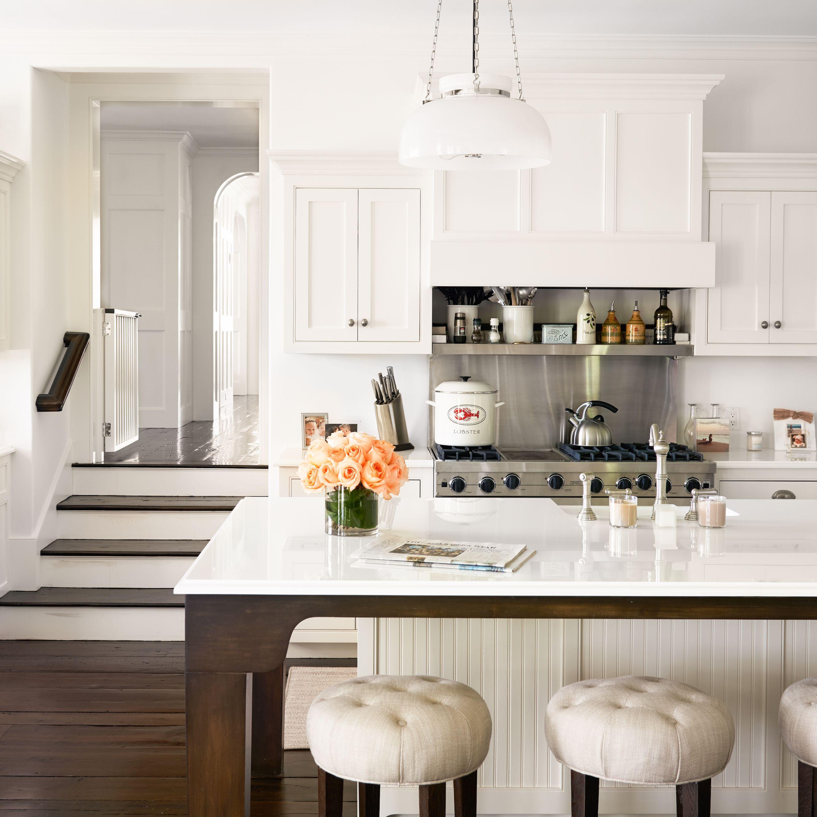 alec baldwin hamptons home kitchen