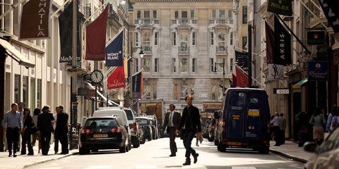 Road, Mode of transport, Window, Land vehicle, Town, Street, Neighbourhood, Infrastructure, Urban area, Metropolitan area,