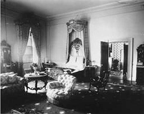 white house bedroom