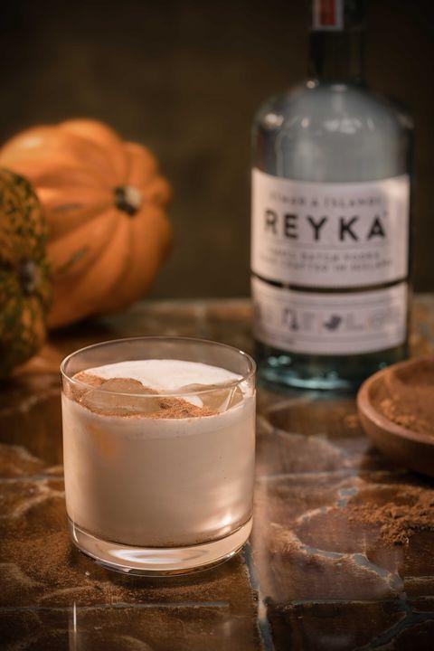 Drink, Milk punch, Alcoholic beverage, Liqueur, Distilled beverage, Irish cream, Food, Alcohol, Still life,