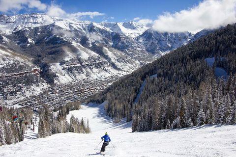 Mountainous landforms, Winter, Winter sport, Recreation, Mountain range, Snow, Mountain, Slope, Outdoor recreation, Ski pole,