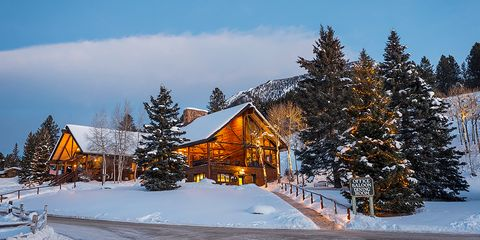 """<p><strong data-redactor-tag=""""strong"""">Where:</strong> Gallatin Gateway, MT </p><p><strong data-redactor-tag=""""strong"""">Why it's perfect for skiiers and non-skiiers: </strong>A favorite getaway for celebs like Kourtney Kardashian and Shay Mitchell, this dude ranch is in the heart of Big Sky, Montana—just 18 miles away from Yellowstone. The ranch boasts 85 kms of the best Nordic trails in the country for cross-country skiing, plus it's close to Big Sky Resort, where skiers can really let loose. You? You can unwind in your amazing cabin (next to the fireplace, preferably), before heading out on a horse-drawn sleigh ride to dinner. No joke. <a href=""""http://www.lonemountainranch.com/"""" target=""""_blank"""" data-tracking-id=""""recirc-text-link"""">Book it.</a>&nbsp;</p>"""