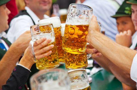 Beer, Drink, Alcoholic beverage, Alcohol, Drinkware, Barware, Beer glass, Hand, Cap, Tableware,