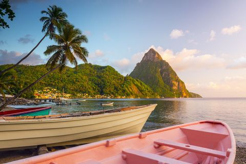 Sky, Watercraft, Boat, Coastal and oceanic landforms, Skiff, Boats and boating--Equipment and supplies, Tropics, Sea, Island, Arecales,