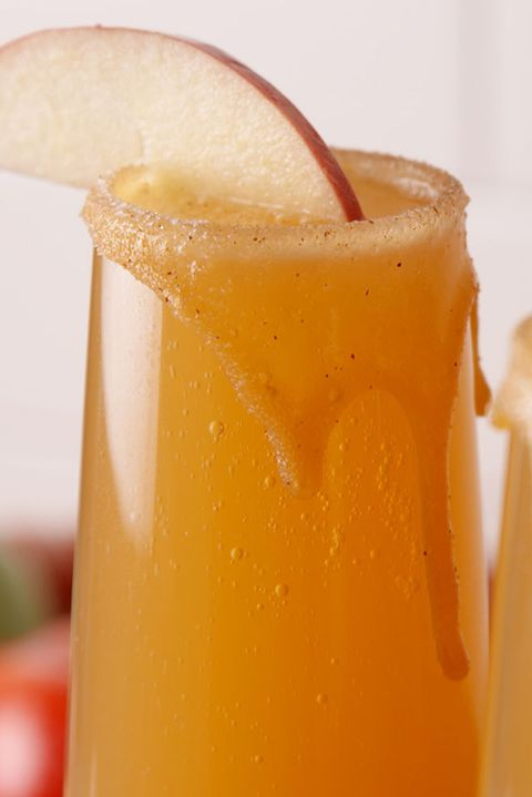 Drink, Liquid, Alcoholic beverage, Ingredient, Juice, Tableware, Classic cocktail, Orange, Amber, Cocktail,