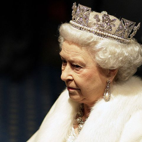 what happens when the queen dies - photo #10
