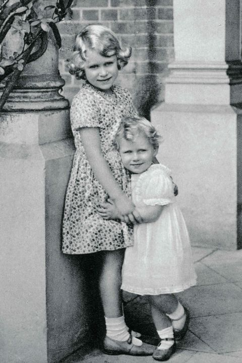 英國女王最美的妹妹,卻為皇室犧牲了愛情!100張照片紀錄瑪格麗特公主,叛逆又悲涼的一生