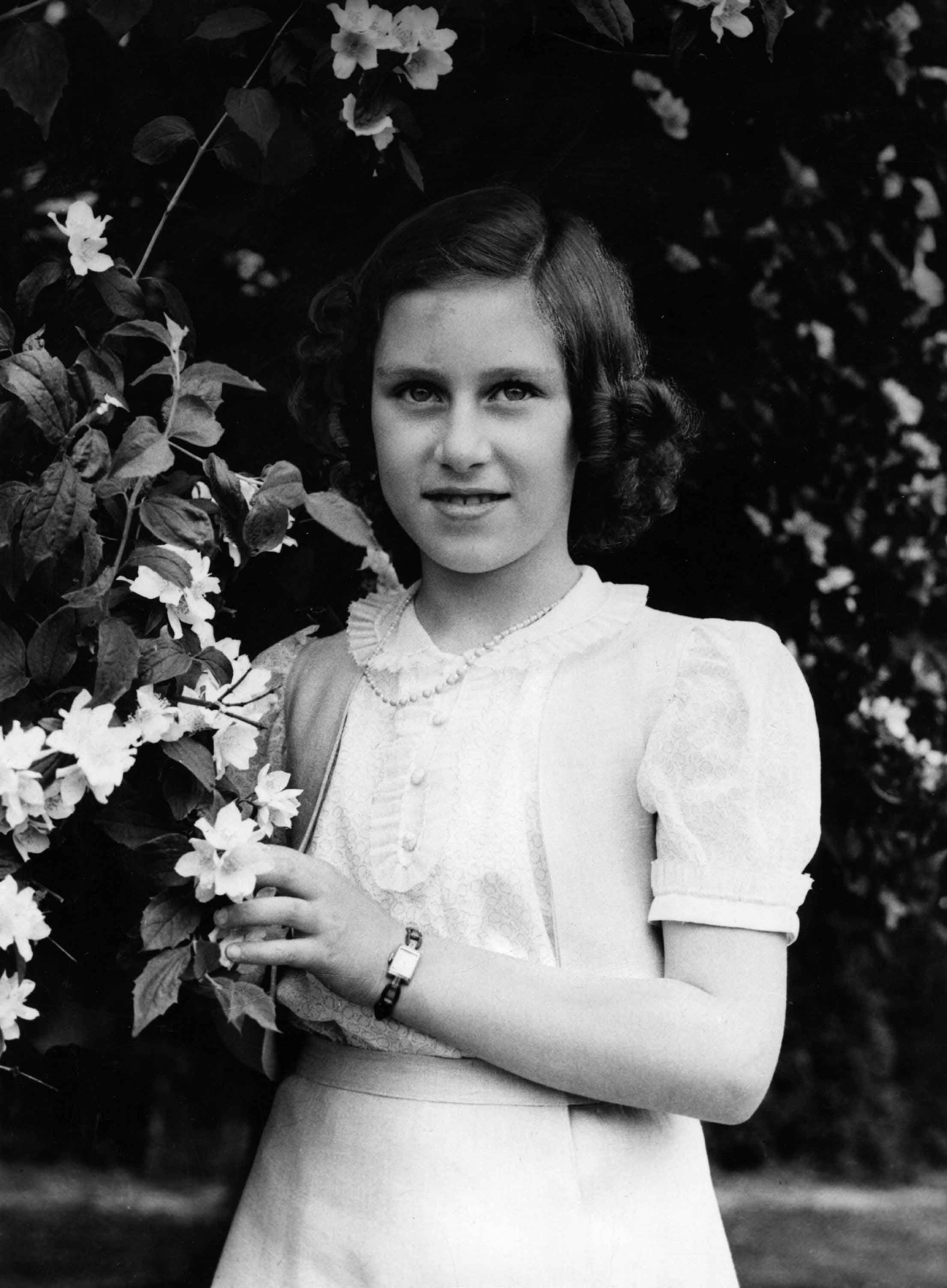 Princess Margarets Life In Pictures Beautiful Photos Of Queen