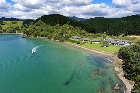 Americans Moving To New Zealand - Billionaires Buying Property In