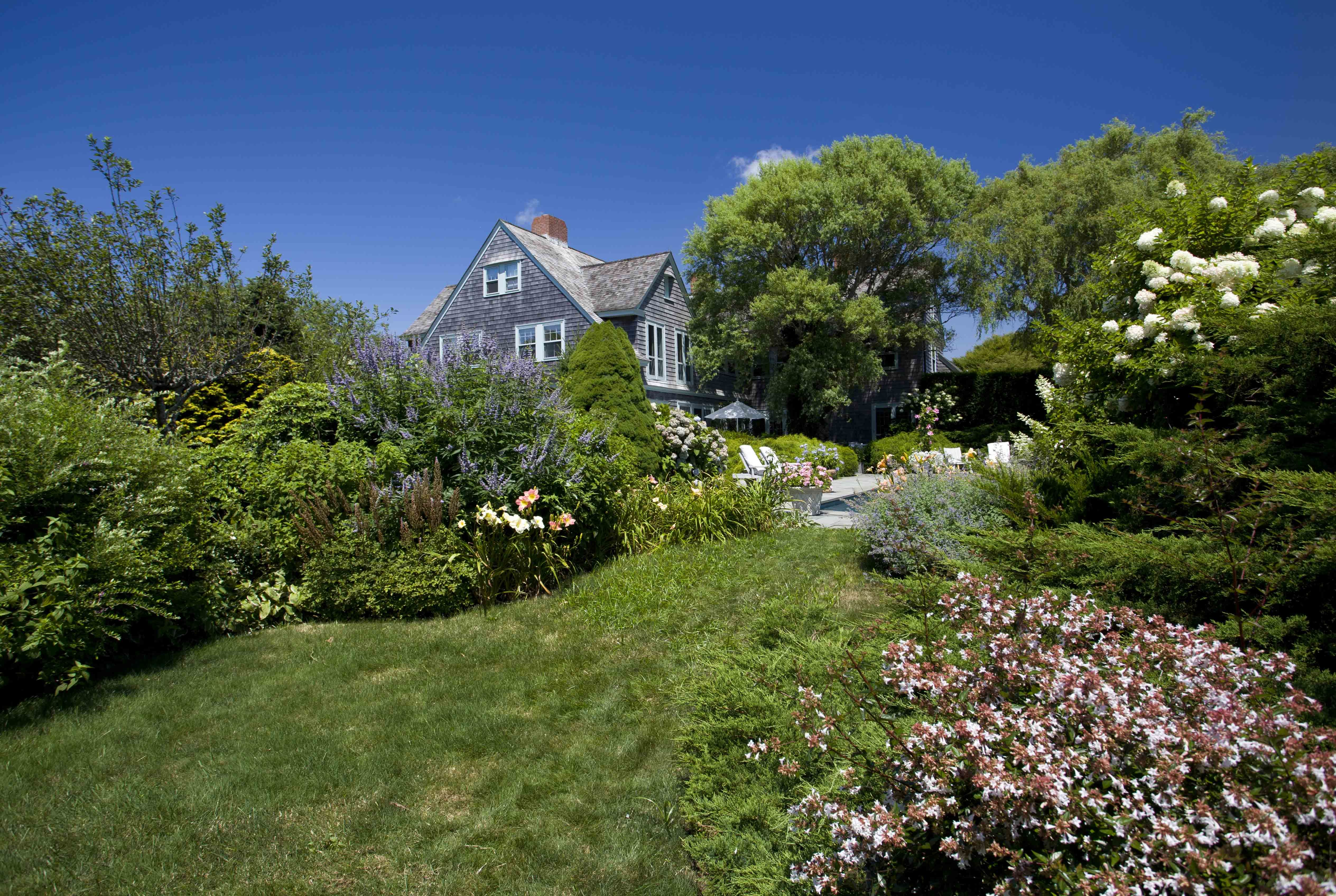 Grey Gardens House Now Photos - Pictures of Inside Grey Gardens