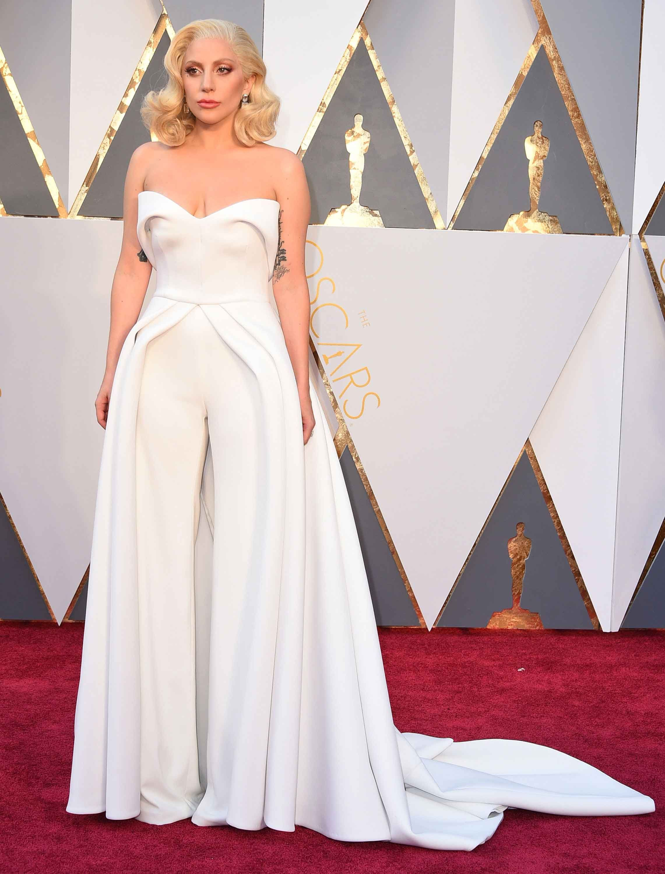 50 Best Oscars Dresses of All Time - Most Iconic Oscar Red Carpet Gowns