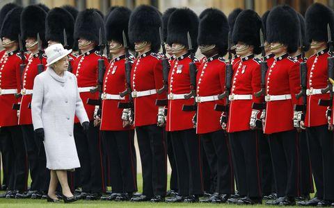 queen elizabeth with the queen's guard