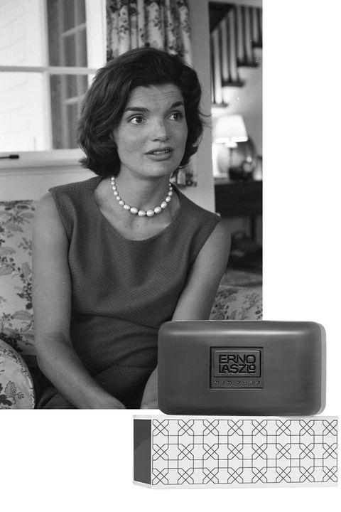 Snapshot, Black-and-white, Technology, Electronic device, Photography, Neck, Style, Fashion accessory,