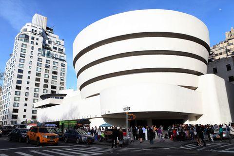 Daytime, Architecture, Facade, City, Metropolitan area, Commercial building, Building, Metropolis, Urban area, Mixed-use,