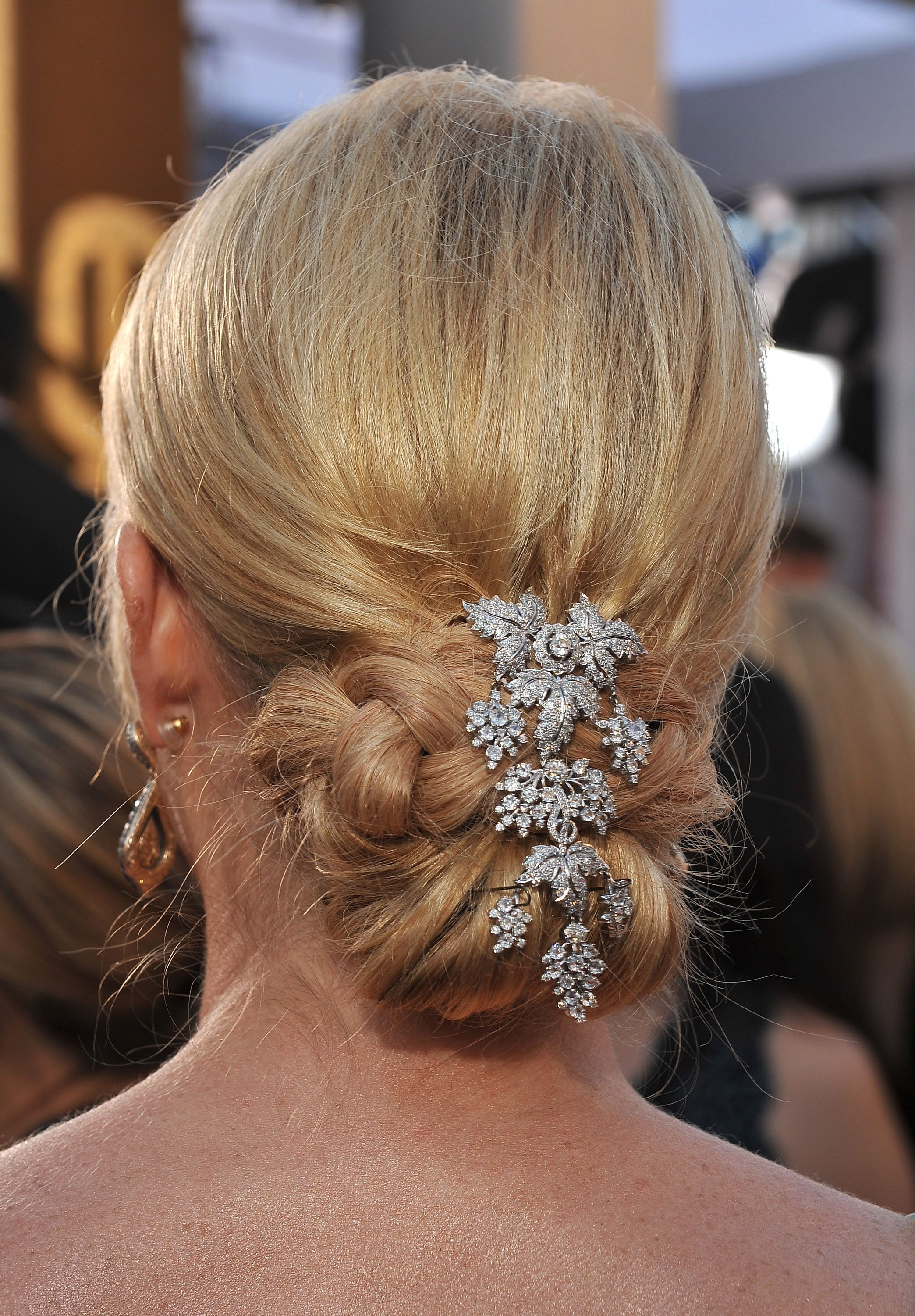 21 Best Wedding Hairstyles For Long Hair How To Style Long Hair For Weddings