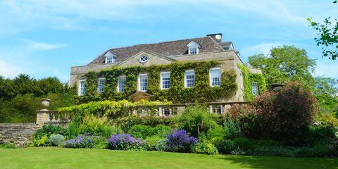 Property, Estate, House, Home, Building, Real estate, Lawn, Mansion, Garden, Cottage,