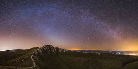 Sky, Nature, Atmosphere, Night, Astronomical object, Star, Space, Landscape, Aurora, Hill,