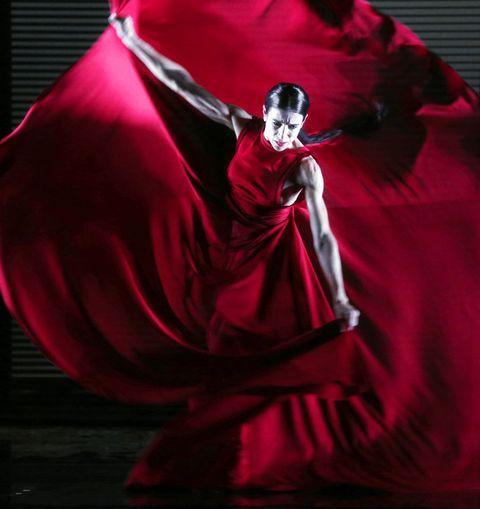 Red, Fictional character, Magenta, Costume, Costume accessory, Carmine, Costume design, Maroon, Cloak, Velvet,
