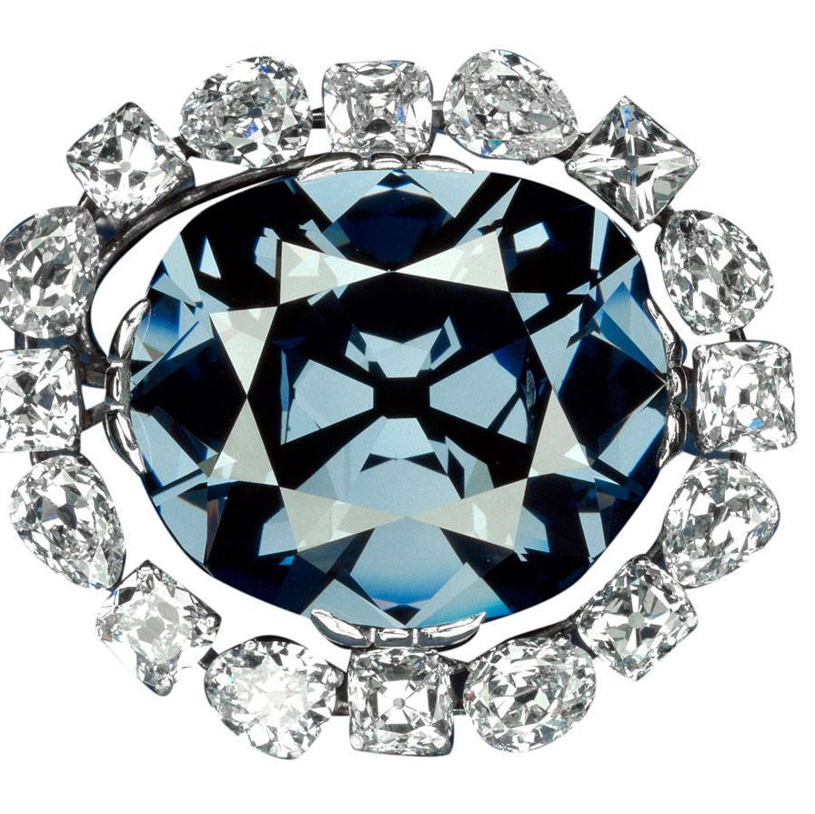 The Hope diamond, sold to Louis XIV in 1668, is donated to the Smithsonian.