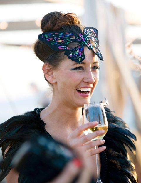 Hairstyle, Wine glass, Stemware, Hair accessory, Drink, Glass, Style, Headpiece, Headgear, Drinkware,